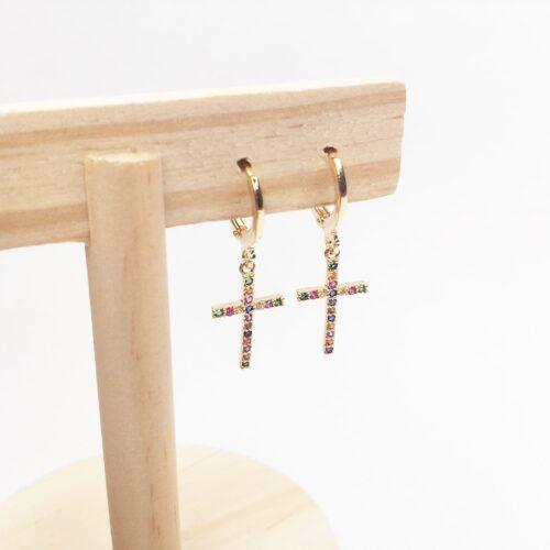 Pendientes mini aro dorado con cruz de circonitas